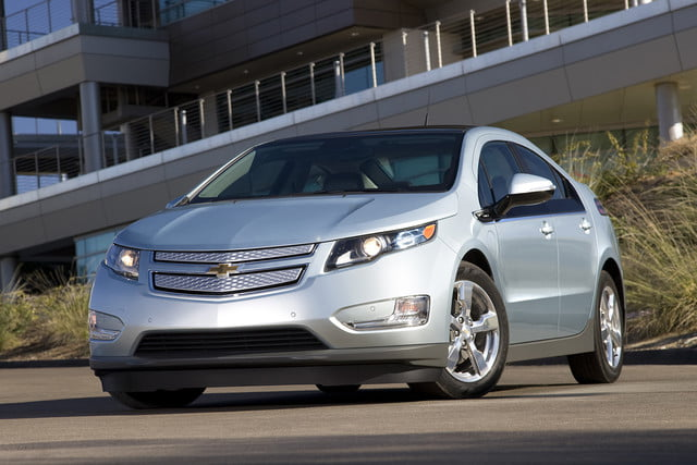 11 cars that will go extinct in 2016 first generation chevrolet volt  002