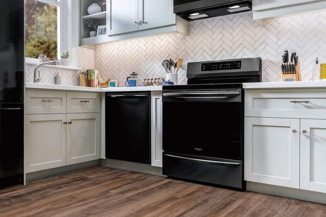 cooking on the frigidaire gallery fgif3036tf induction range self cleaning oven 5