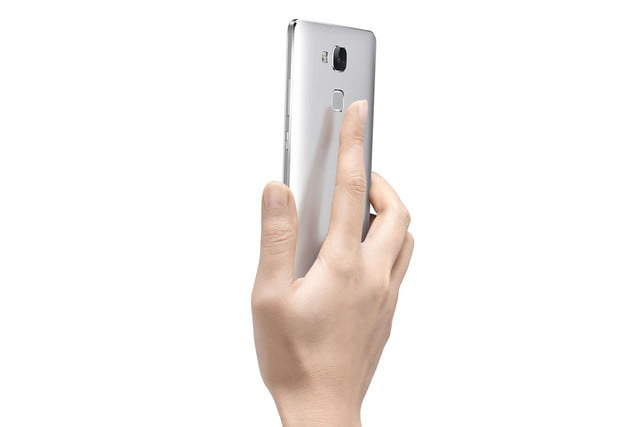 huawei ascend mate 7 debuts at ifa mate7 rear in hand press image