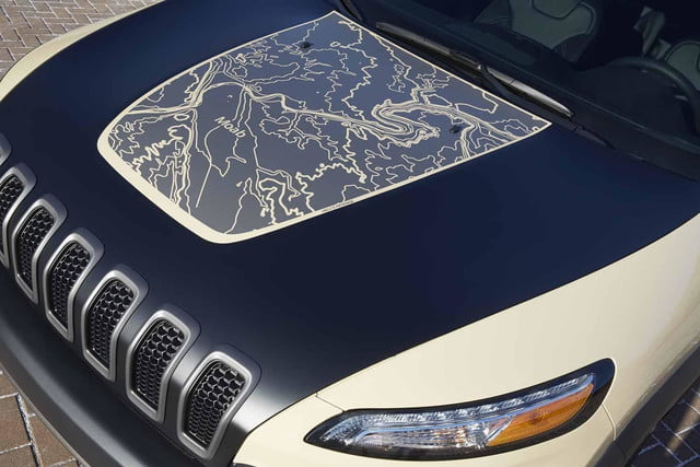 "Jeep Cherokee Canyon Trail ""Hell's Revenge"" topographical hood map"
