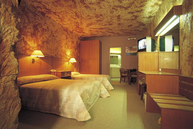 coober pedys residents live in underground dugouts lookout cave motel 0016