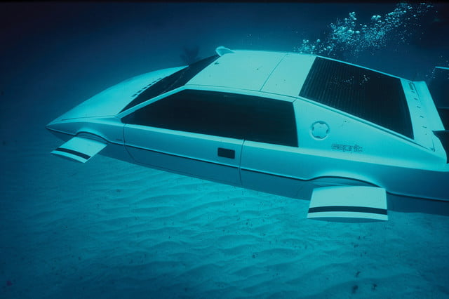 tesla cybertruck aerodynamic design inspired by 1976 lotus esprit submarine in action 2