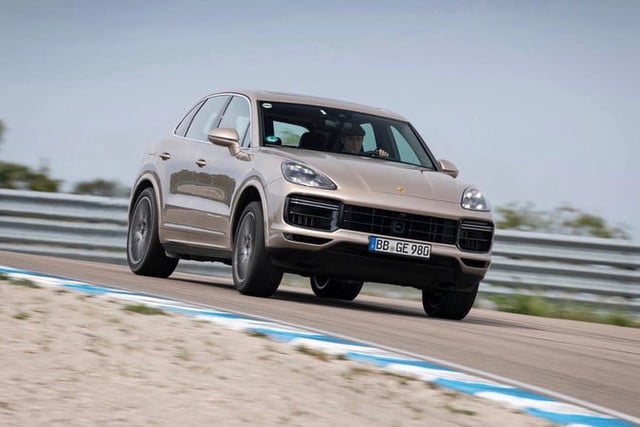 2020 porsche cayenne turbo s e hybrid sets lap record at unfinished gotland ring