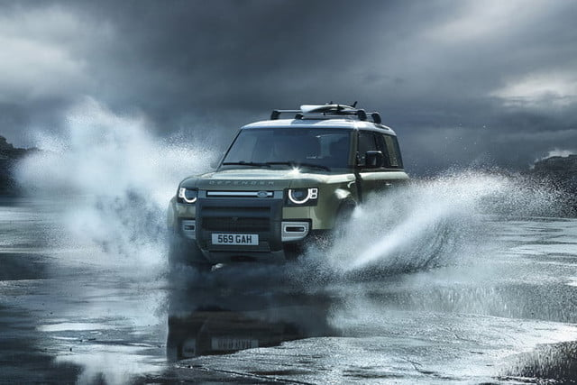 2020 Land Rover Defender Boasts Rugged Style, Usable Tech