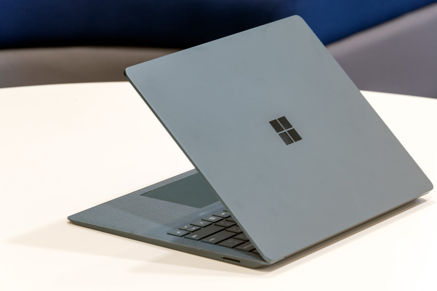 Microsoft Surface Laptop Review: A New Breed of PC