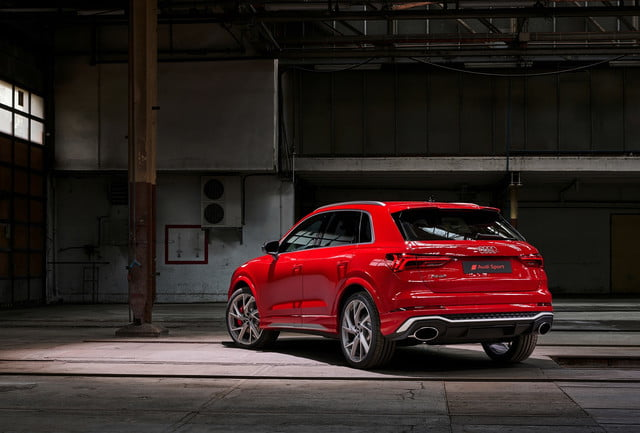 2020 audi rs q3 sportback keep five cylinder engine rsq3 000010