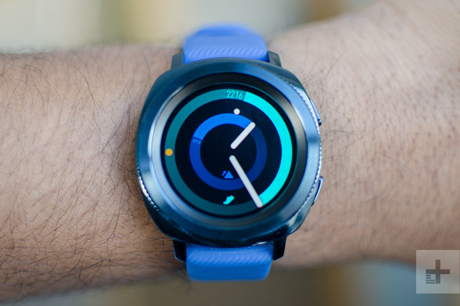 Amazon Memorial Day sale: Price cuts on Apple Watch and Samsung Gear smartwatch