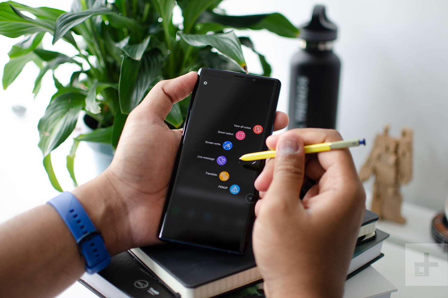 Everything You Can Do With The Galaxy Note 9's S Pen