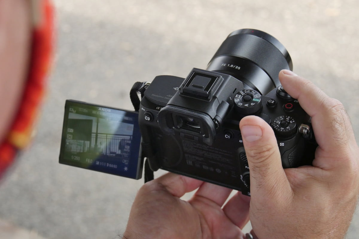 Sony A7S III articulating LCD screen