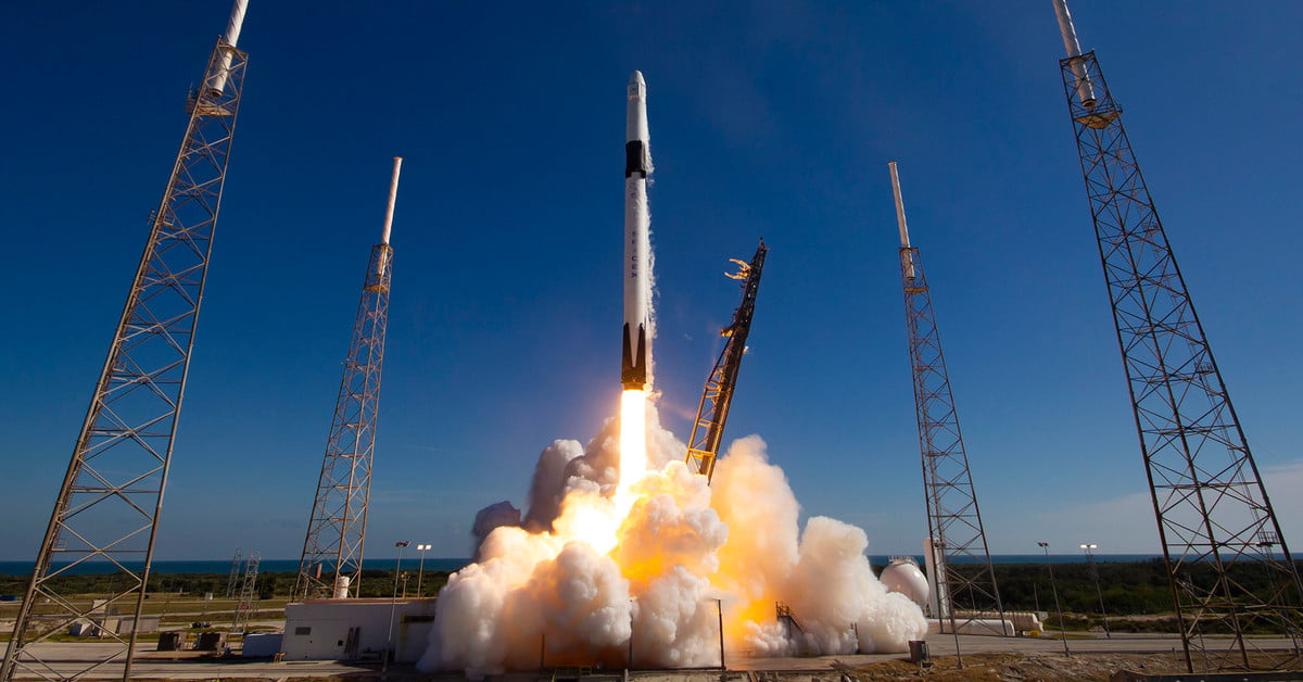 SpaceX and United Launch Alliance win launch contracts for U.S. Air Force