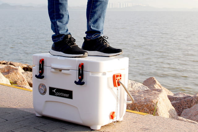 sportneer portable 5 day cooler with a temperature gauge 04