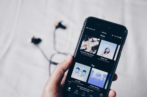 Spotify vs  Pandora | Which Music Streaming Service Is