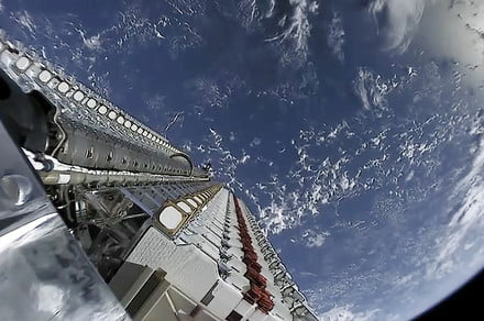 SpaceX wants to send another 30,000 Starlink internet satellites into space