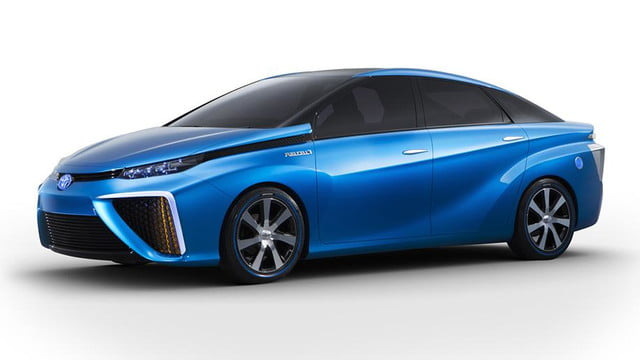wait toyota releasing first hydrogen powered production vehicle december fuel cell 3