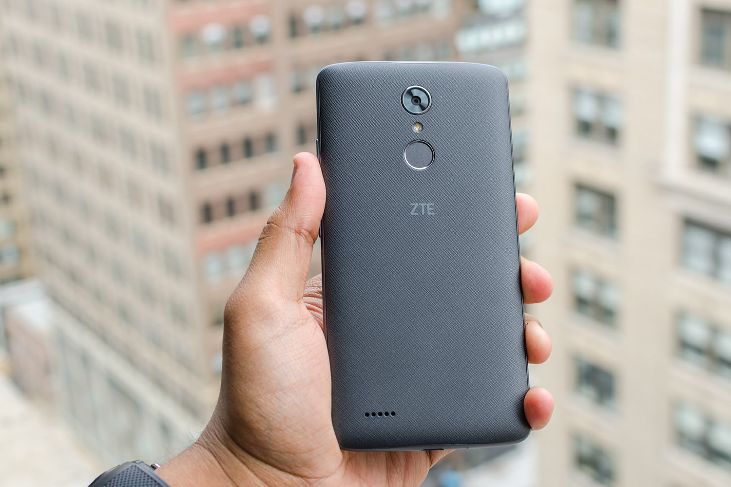 ZTE Max XL Review: It's a Big Phone for $100, But it