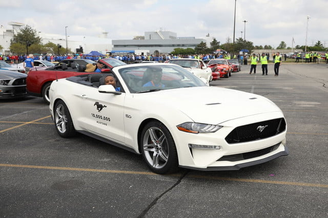 ford mustang 10 millones millionth celebration 3 700x467 c