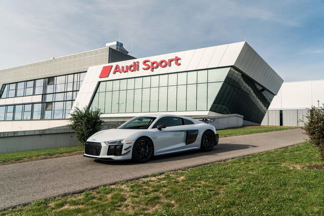 audi r8 v10 plus coupe competition 2018 package 4829 700x467 c