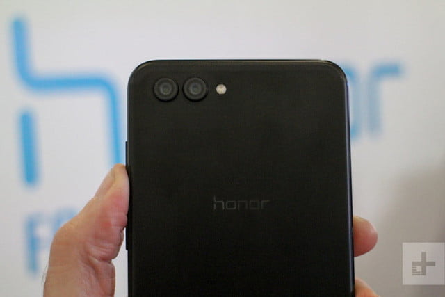 Honor View 10 4