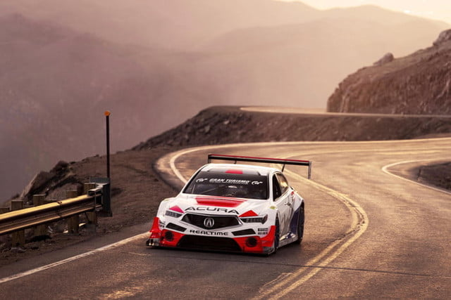acura pikes peak international hill climb 2019 nlp 6716e3 700x467 c