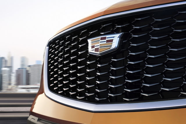 cadillac xt4 super cruise the 2019 was developed on an exclusive compact suv architect 2 640x427 c