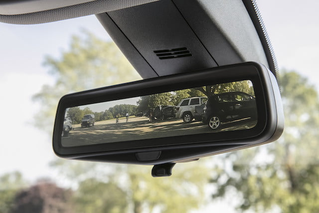 chevy traverse 2018 precio the available rear camera mirror provides a video view  displaying wider less obstructed field of