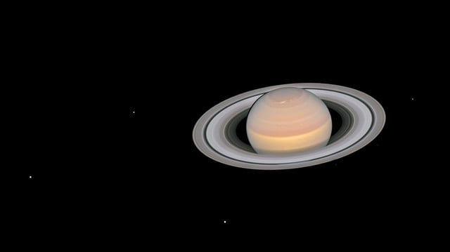 marte saturno telescopio espacial hubble the moons of saturn 1280x717