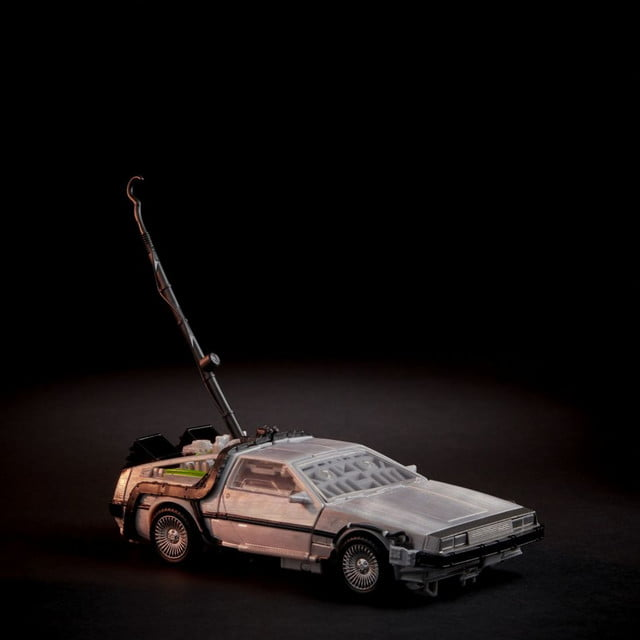 juguete crossover transformers back to the future uploadscardimage13779622f6747c0 5cc1 425d b840 5318c8d6a51a jpgfull fit in