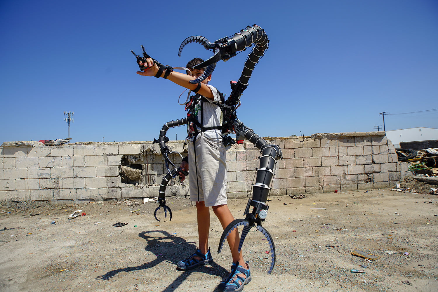 Want an extra arm? A third thumb? Check out these awesome robotic appendages