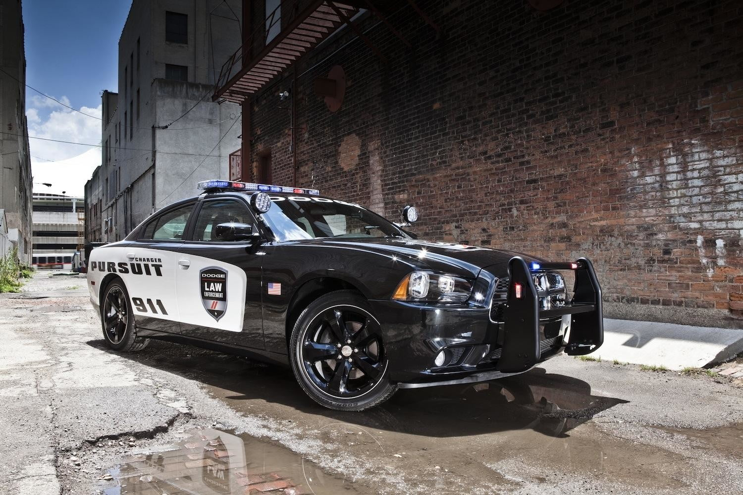 The Dodge Charge Pusuit is the fastest cop car in America | Digital ...