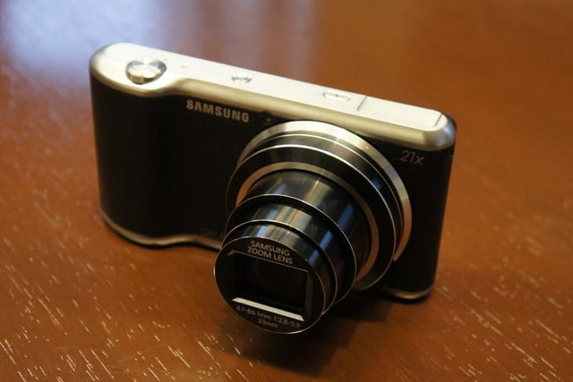 samsung announces nx30 mirrorless camera and android powered galaxy 2 dsc08182