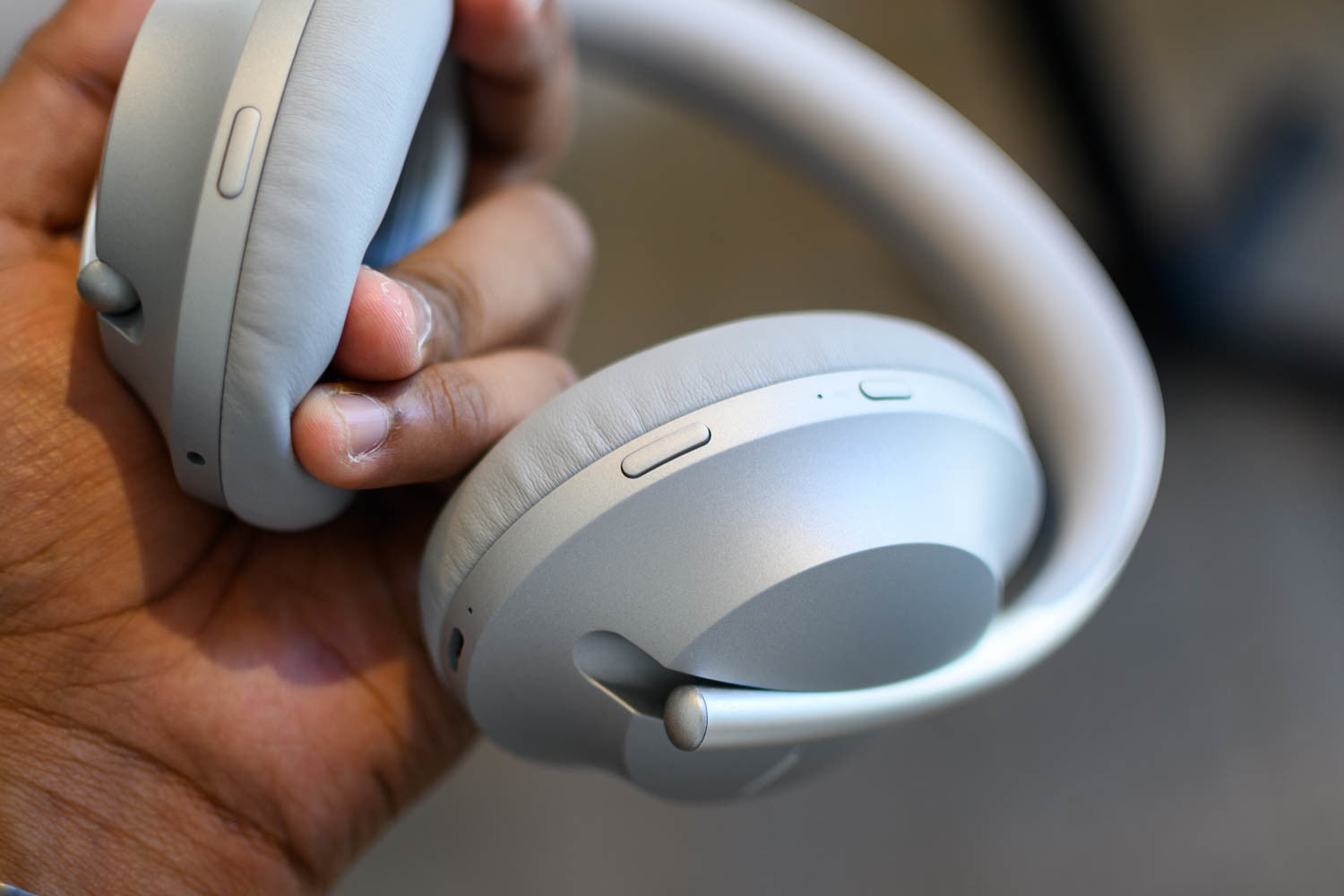 21f1f26651f Bose Noise Cancelling Headphones 700 Hands-On Review: Bose's New ...