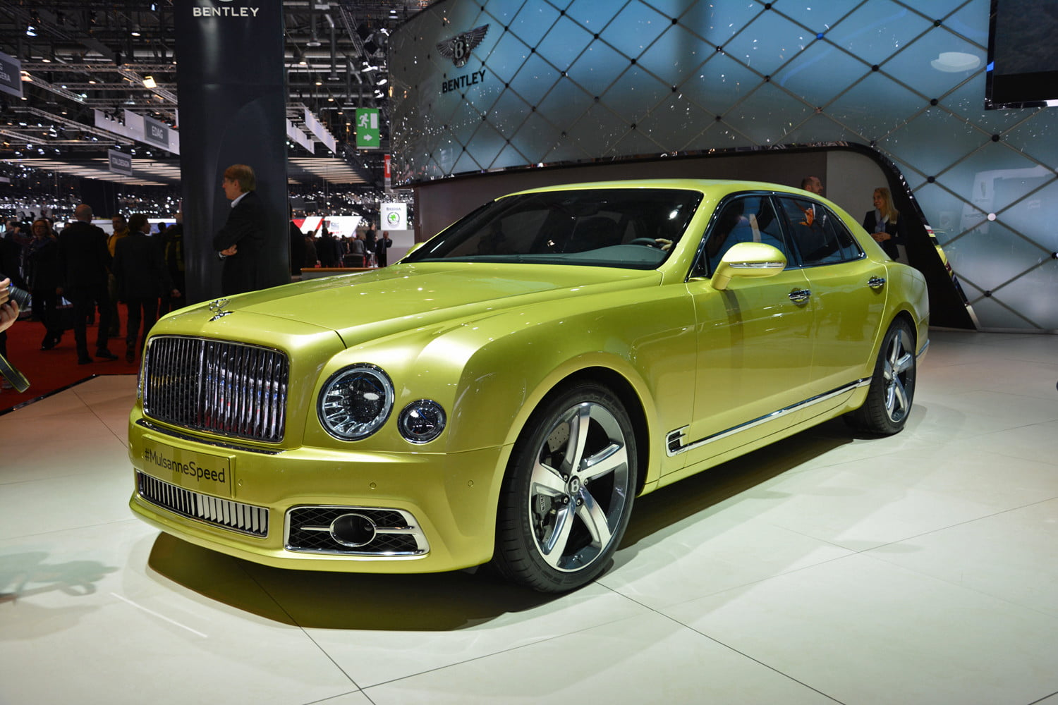 2017 Bentley Mulsanne | Photos, details, specs | Digital Trends on bmw 5 series owners manual, audi a6 owners manual, bmw 3 series owners manual, aston martin vantage owners manual, chrysler 300 owners manual,