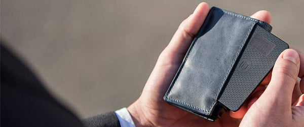 It's nearly impossible to lose this solar-powered location-tracking wallet