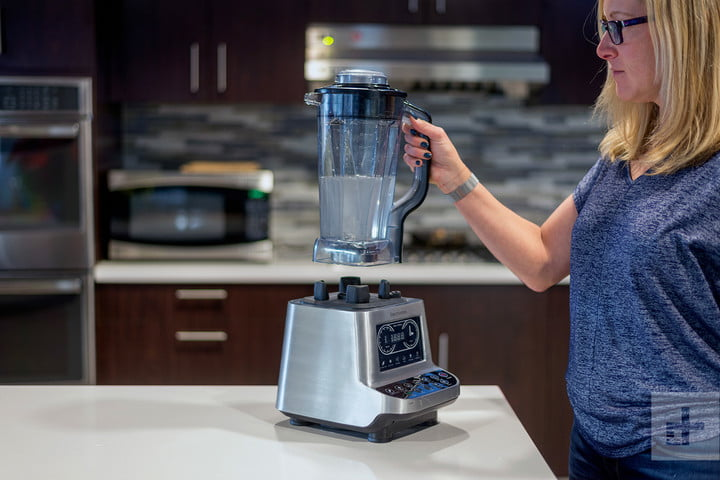 Elechomes CHS2001 Blender review heor hand