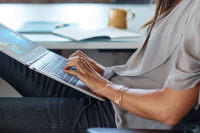 hps new elitebook folio is a half inch thick laptop with 4k display g1 1