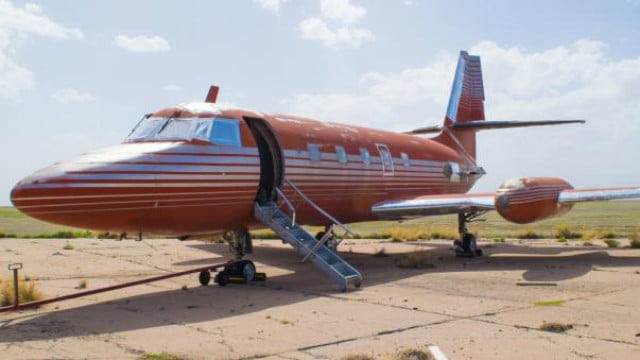 Elvis Presley's Private Jet just Sold at Auction for Below the