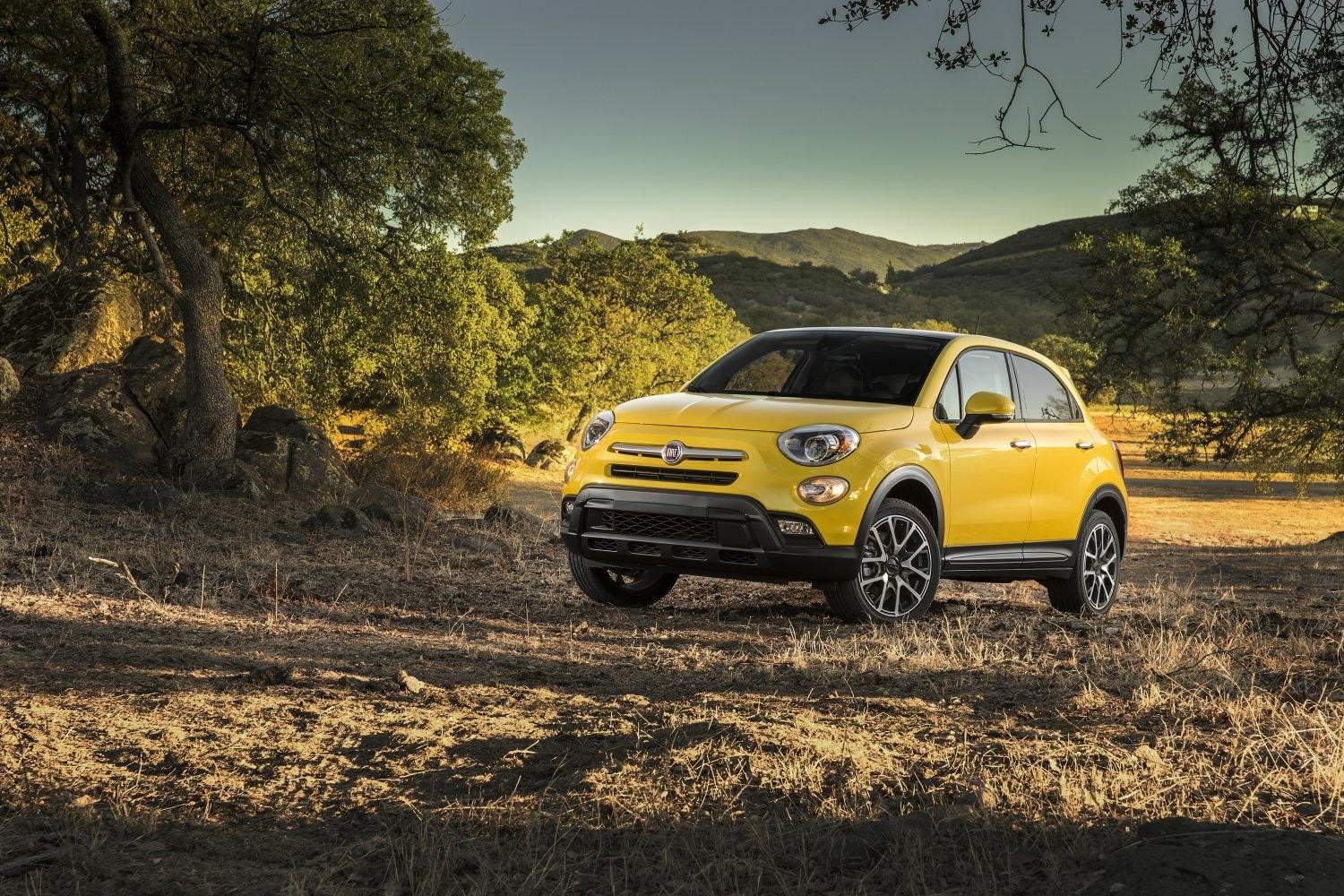 2016 Fiat 500x Official Specs Pictures And Performance Digital Jeep Renegade Vs Trends