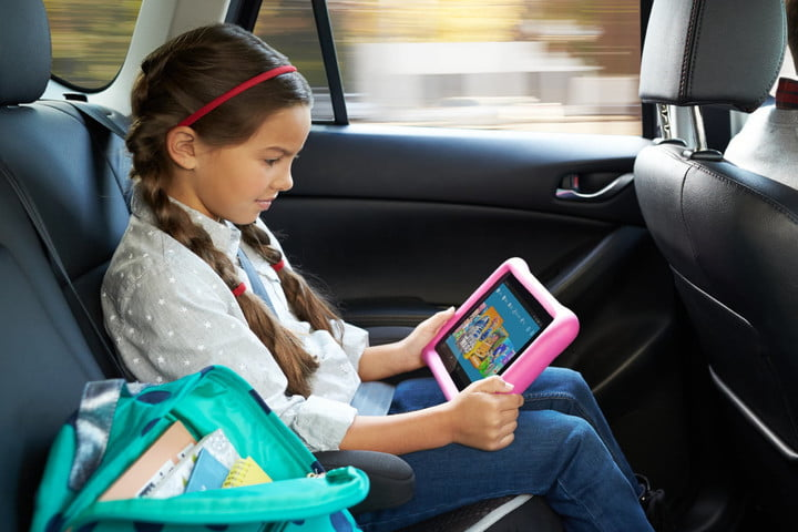 amazon show mode charging dock and fire hd 10 kids edition car