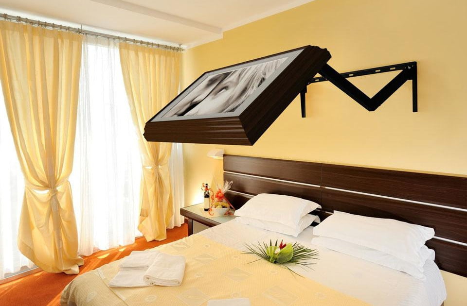 Flip Out Tv Wall Mount Cleverly Conceals Your Flatscreen