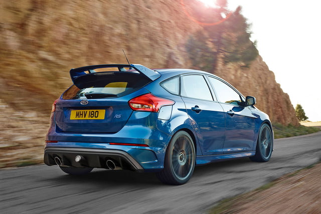 ford focus rs pricing performance specs news 04