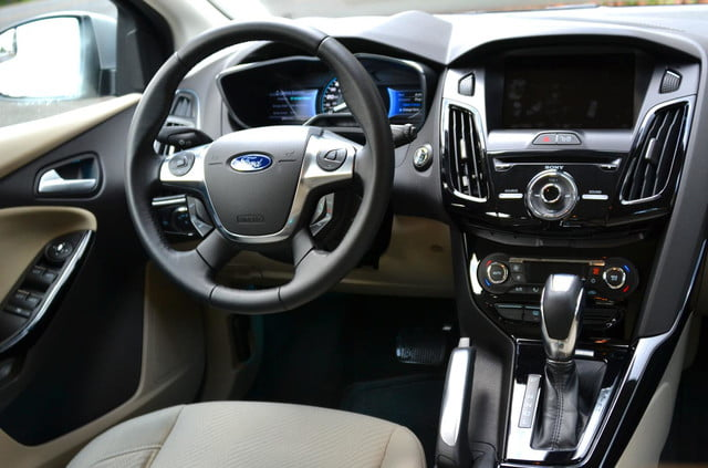 ford focus electric front console