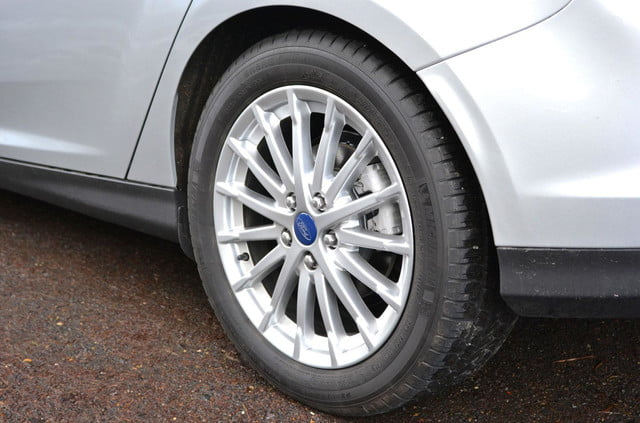 ford focus electric wheel