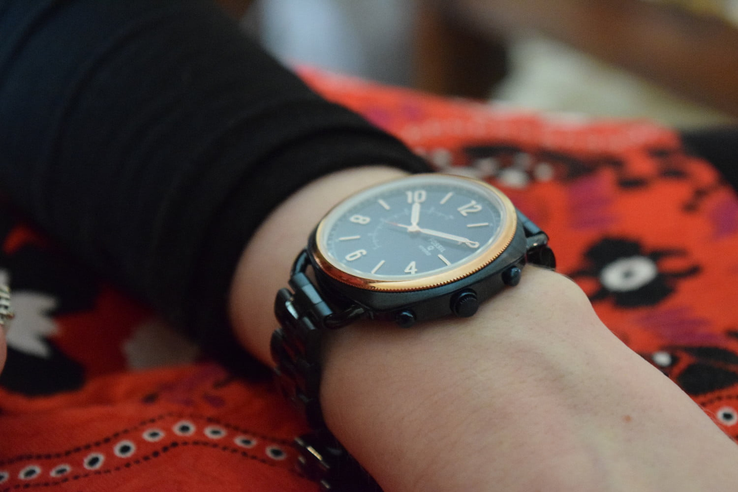fossil brings fashion industry mores to wearable tech digital trends