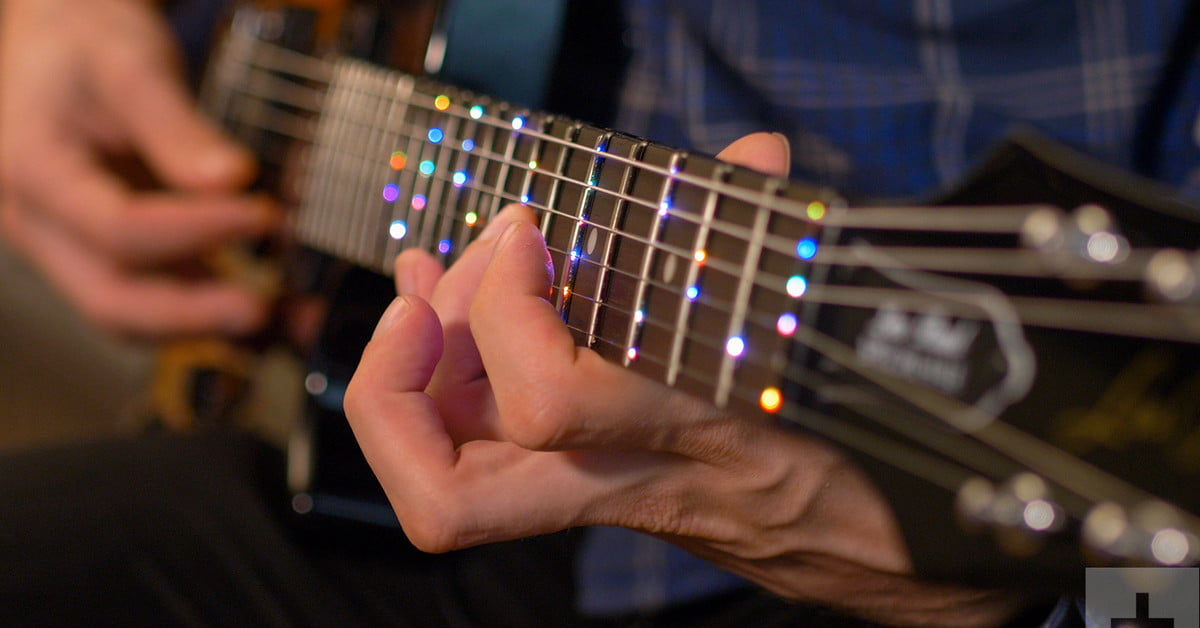 Hands on: Fret Zealot, an LED lighting device that teaches you to play guitar like a hero