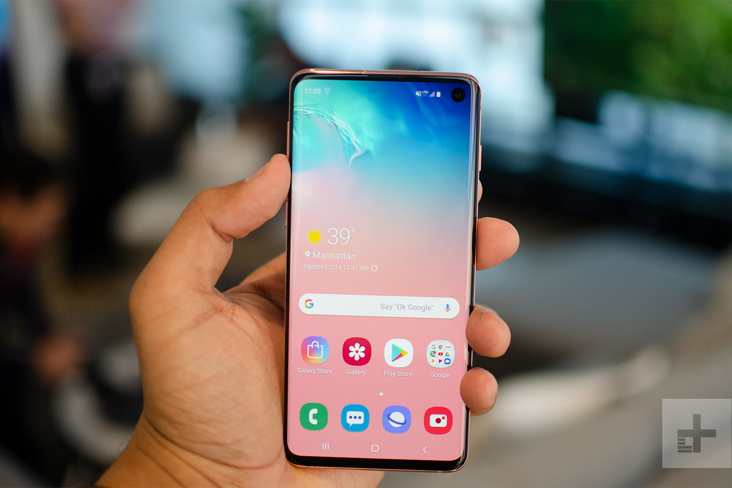 samsung 39 s s10e joins galaxy s10 s10 plus 2019 smartphone. Black Bedroom Furniture Sets. Home Design Ideas