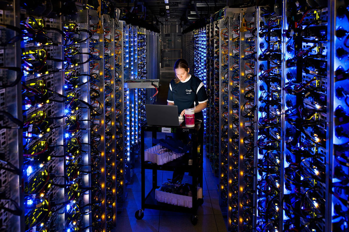 women in artificial intelligence google data center header