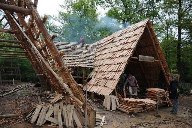 the guedelon castle is being built with 13th century techniques gu  delon 0087
