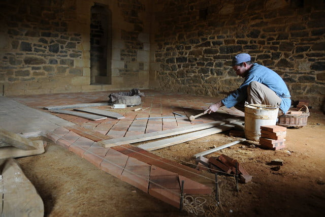 the guedelon castle is being built with 13th century techniques gu  delon 0090