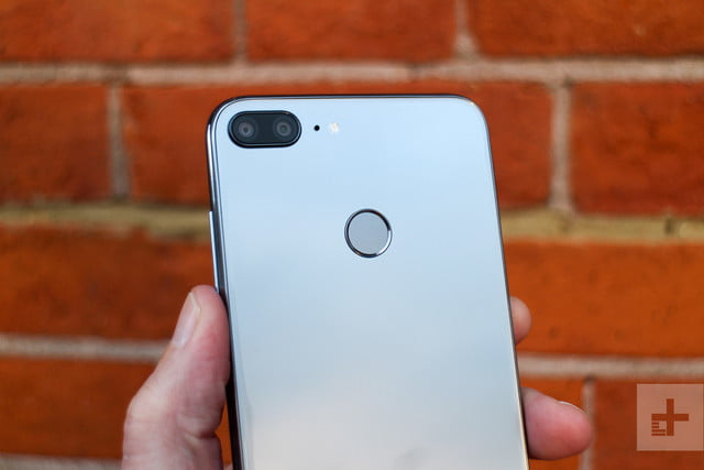 Honor 9 Lite review back top