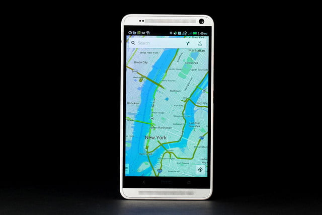 HTC-One-Max-front-maps